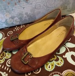 Me Too Dark Amber Ballet Flats with Buckles 6.5 M